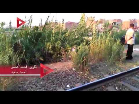 انهيار نجل أحد ضحايا حادث الإسكندرية بعد علمه بوجود والده في القطار