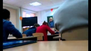 Опоздали на урок)))Физичка жжёт.mpg