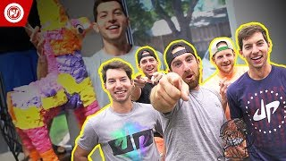 Dude Perfect: Restaurant Stereotypes Deleted Scenes(Check out the hilarious deleted scenes from Dude Perfect's new Restaurant Stereotypes video! Watch as the Dudes prank Coby, prepare to film the always epic ..., 2014-09-01T21:58:03.000Z)