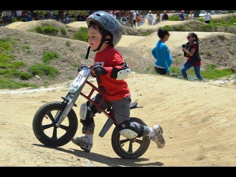 Как научить ребенка кататься на велосипеде? 4 способа обучения