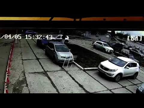Момент аварии с участием автобуса в Туле попал на видео