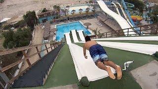 メキシコにはスゴイ怖い滑り台があるらしい…こんな角度で飛び込んじゃって平気なの!?