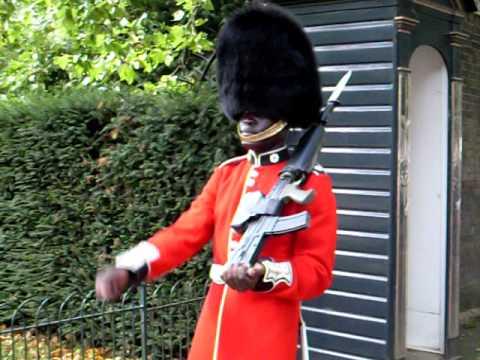 English Royal Guard smile | Doovi