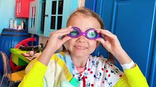 Катя собралась играть с водой в парке развлечений THE LAND OF LEGENDS