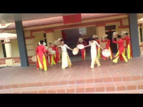 Múa Nón Nam (12K THPT Kim Thành II) khóa 2014_2017