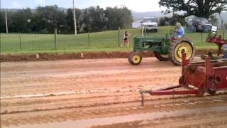Antique Tractor Pulling Videos Part 1