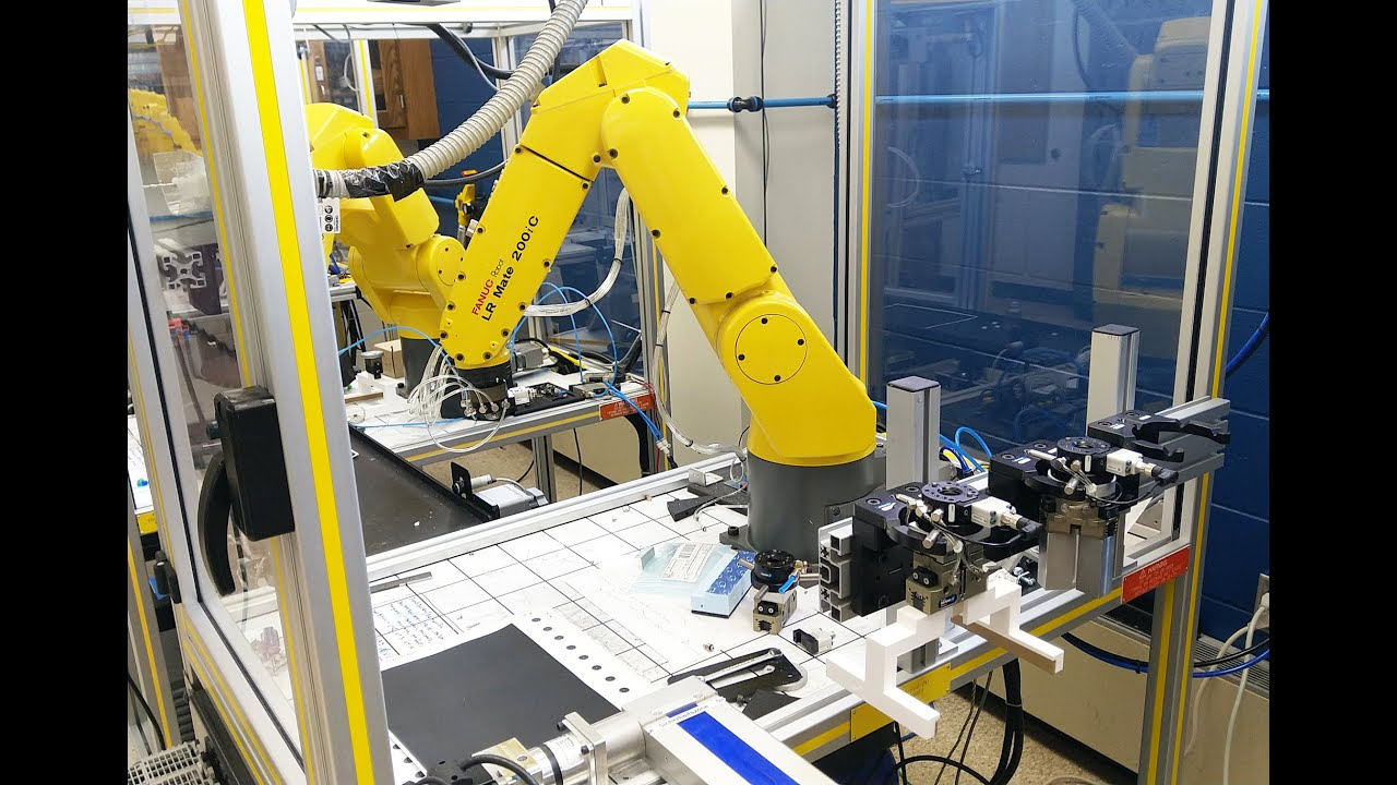 Preview image for Students Specialize in Mechatronics video