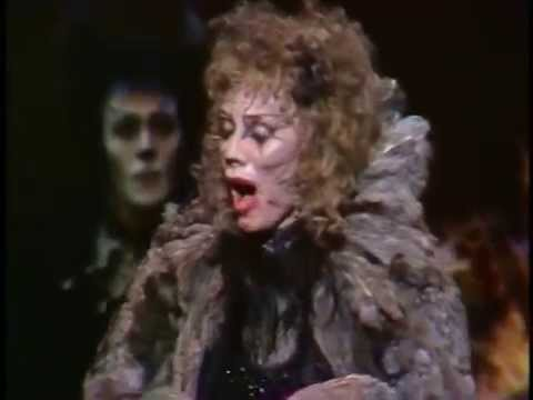 """ Jellicle Song "" & "" Memory "" {from CATS} performed by Betty Buckley and Original Cast"