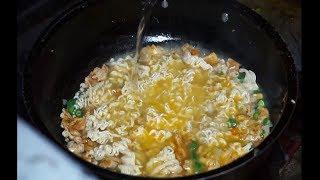 INDIAN STREET FOOD | Hyderabad Indian Street Food |  Egg Maggi |  Delicious Food