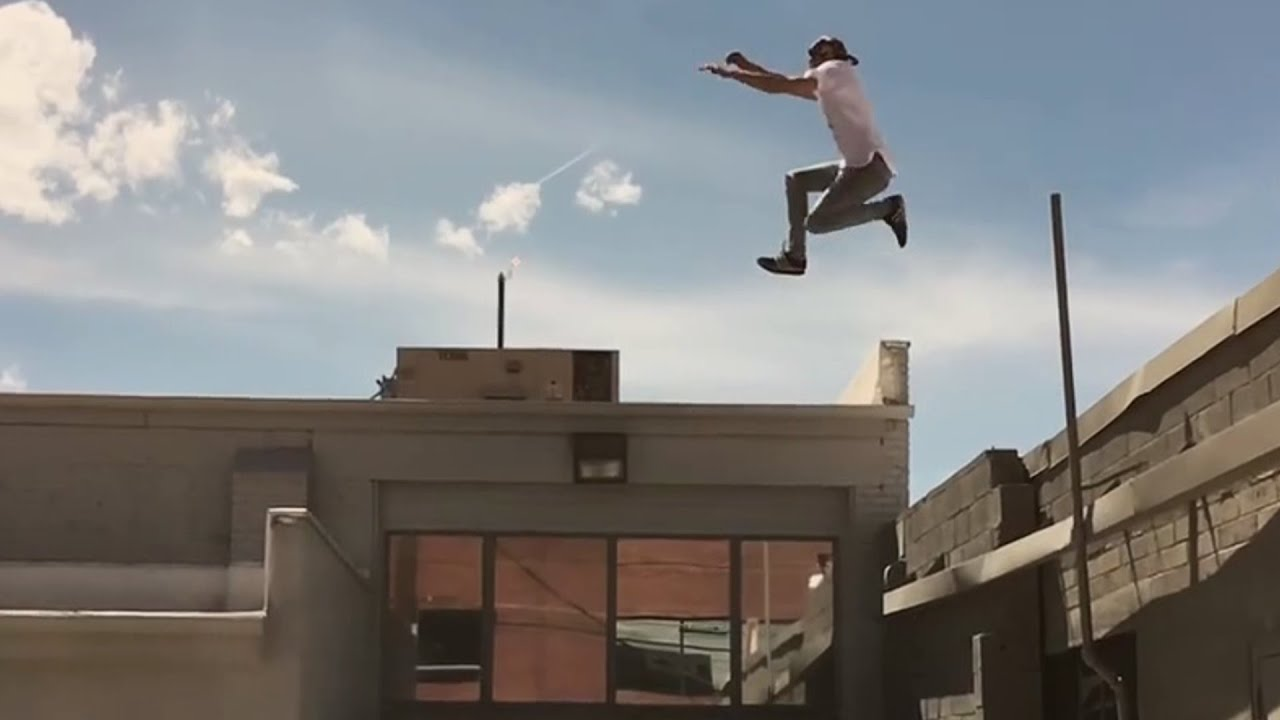 Parkour and Freerunning 2016 - Extreme Stunts