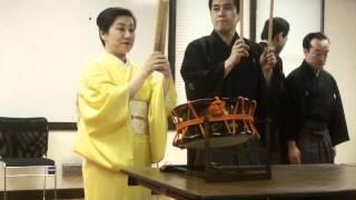 プロの歌舞伎奏者Shazumiによる、長唄と楽器の紹介です。 最初の曲は、...