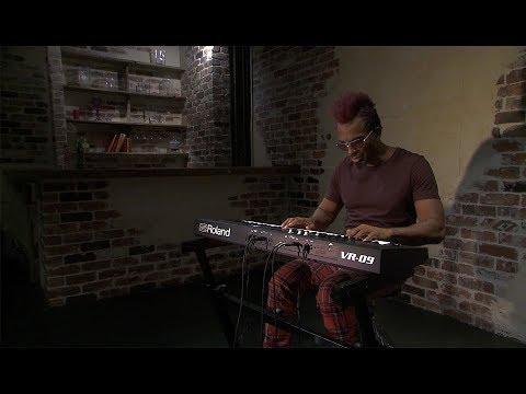 Roland V-Combo VR-09-B Live Performance Keyboard: Vintage Organ Sound Preview