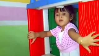 Rumahan TAMAN BERMAIN 👸 Mainan Perosotan 💖 Mandi Bola 💖 Little Jessica 👸 Mainan Anak Letsplay