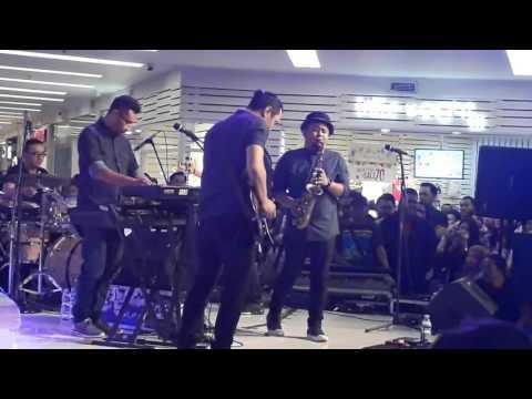 Sammy Simorangkir - Cinta Putih (Live) di Citraland