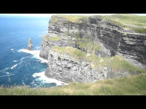 Caminando por los acantilados en dublin