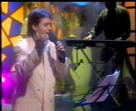 Sunilparida opening song in saregamapa(Chapi Chapi Basanti Rati)..