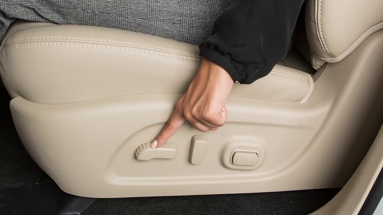 Nissan Sentra Owners Manual: Front manual seat adjustment