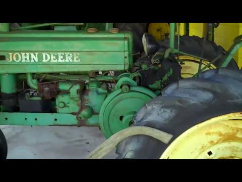 John Deere Tractor Antique Collection