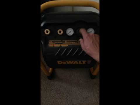 Dewalt air compressor 2.5 gal / 200 psi model DWFP55130