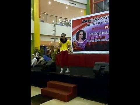 Wandie Mario Show @Palembang Trade Center ( ADELE - SOME ONE LIKE YOU )
