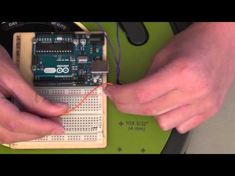 iRobot Create 2 Connecting Arduino to Create (upclose)