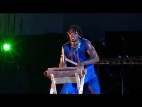 (krin) WAMALI PERCUSSIONS (3) des tambours et des hommes 2013 festival de Martigues