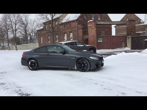 BMW M4 F82 Snow Drifts and Donuts |