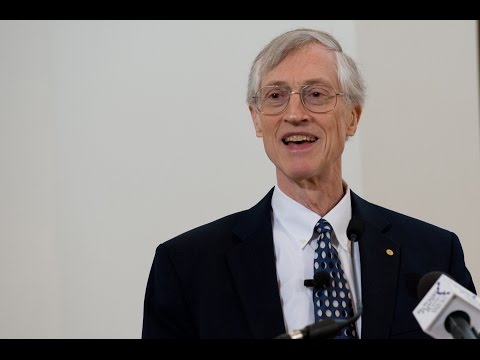 Astrophysicist and Nobel Laureate John Mather Speaks at Monmouth College 2015 Whiteman Lecture
