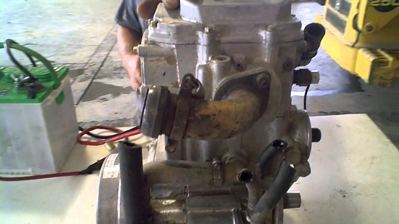 LOT 2321A 1997 Polaris Magnum 425 4X4 Engine Compression