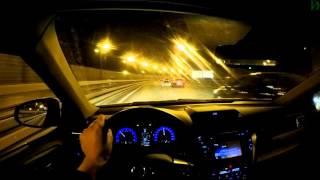 Toyota Camry - болтовня в ночном движении (4k, UHD)
