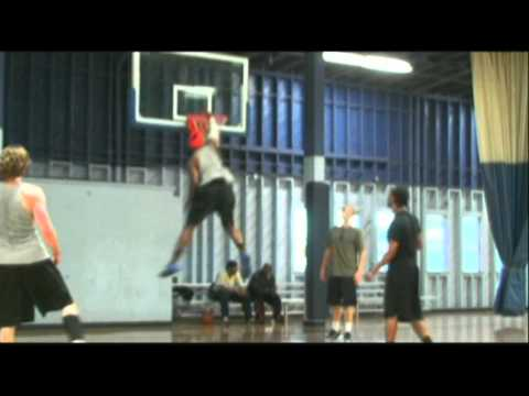 """TFB::Dunks::6'1""""  Michael Blue and his 50"""" VERTICAL LEAP - PART TWO :: DHyde Preview"""