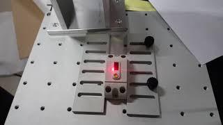 (주)레이저스 파이버 레이저 마킹기로 플라스틱 차단기 …