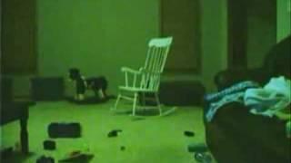 Призрак. Привидение на стуле. Ужас. Страх