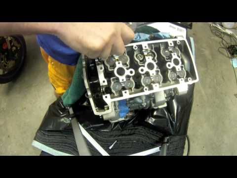 Triumph Daytona  - Engine Disassembly - Video