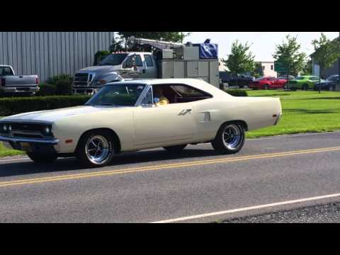 Vote no on shively motors mopar show 2010 jack 39 s burnout for Shively motors chambersburg pa