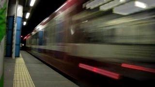 迫力満点!! 京急が高速で駅を通過する動画 thumbnail