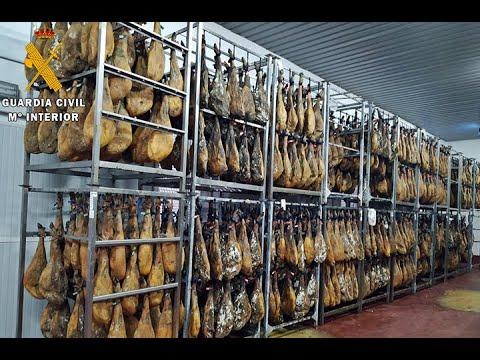 La Guardia Civil inmoviliza más de 25.000 falsos jamones ibéricos