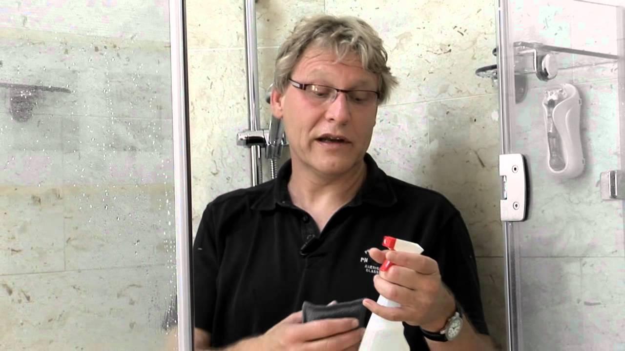 Regelmatig reinigen douche - YouTube