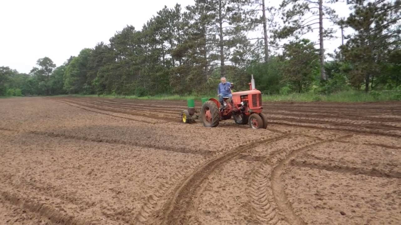 John Deere 290 corn planter - YouTube