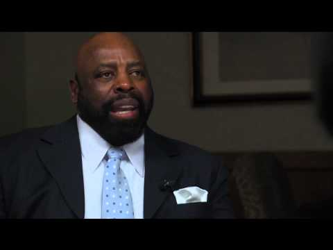 """THE WIRE: One-On-One with Ed """"Too Tall"""" Jones"""