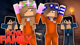 LITTLE KELLY AND CARLY MAKE THE GREAT ESCAPE! Minecraft Royal Family (Custom Roleplay)