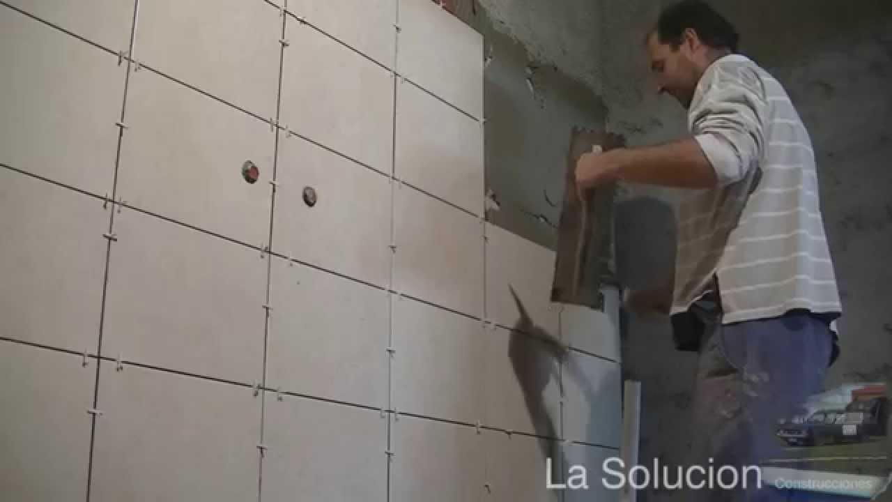 Revestimiento de ba o y duchas youtube for Revestimiento vinilico para paredes de banos