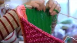 видео Пуф из трикотажной пряжи: вяжем оригинальный предмет интерьера