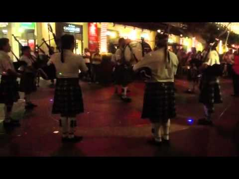 'Hey Jude' medley by bagpipes & drum band