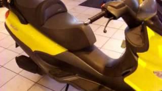 piaggio 250 scooter.avi
