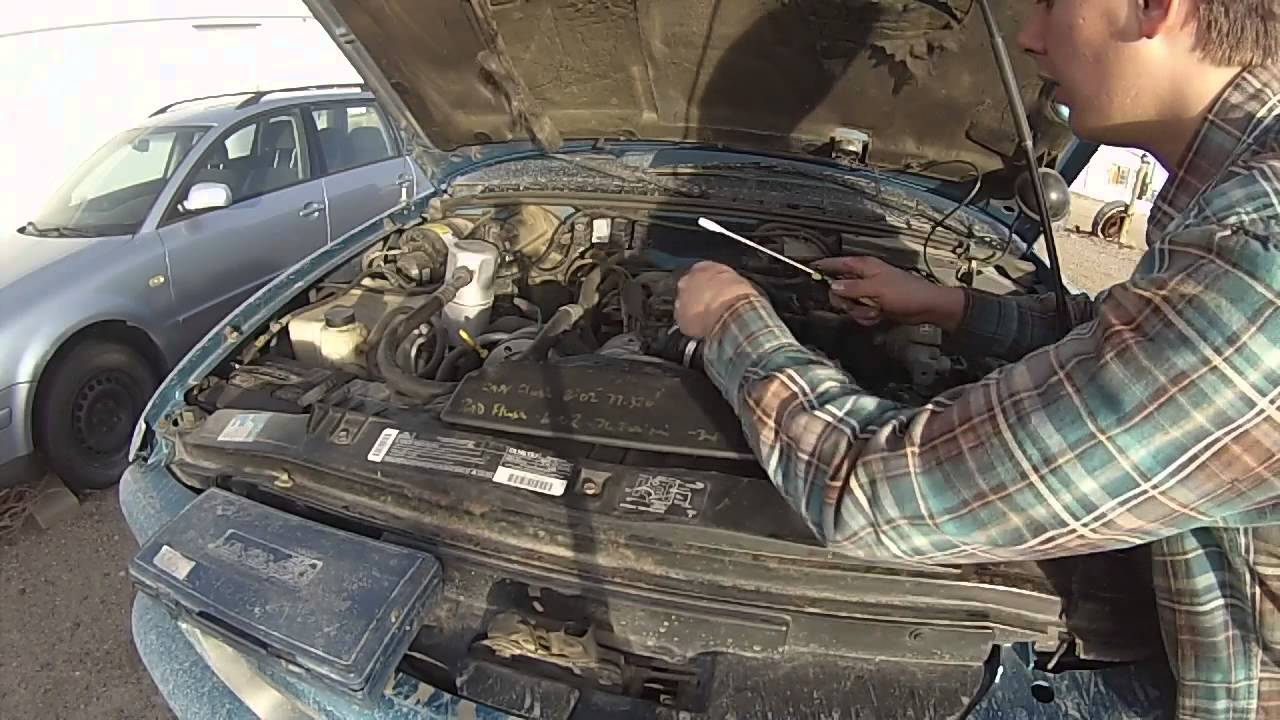 How To Get To The Horn On A 1994 2003 Gmc Sonoma Youtube