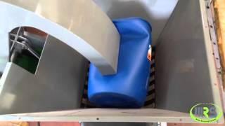 Измельчение пластиковых бочек 200л на WRS SE30(, 2015-11-12T20:21:01.000Z)