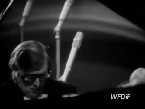 Piotr Paleczny plays Chopin Piano Concerto no. 1  - video 1978