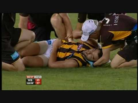 Jordan Lewis gets knocked out vs Western Bulldogs