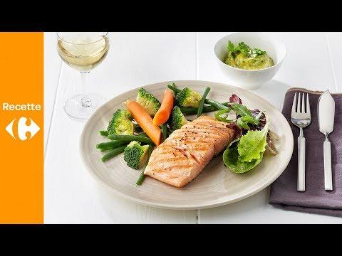 saumon-grillé,-légumes-vapeur,-jeunes-pousses-et-aïoli-à-la-coriandre